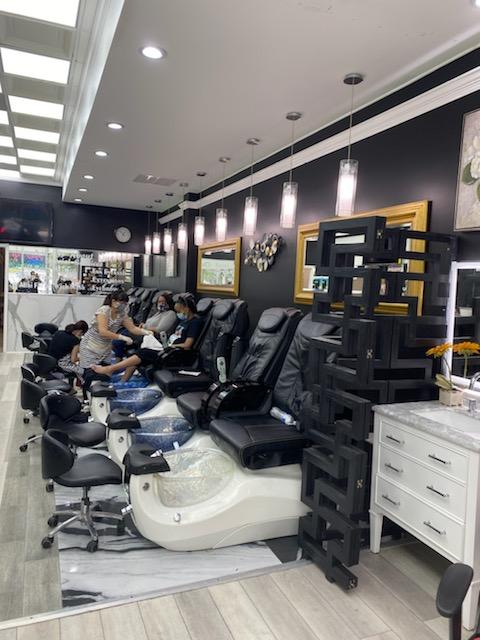 Nails Salon 20020